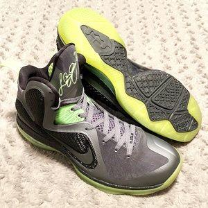 Lebron 9 Dunkman sneakers paid $250 size 13